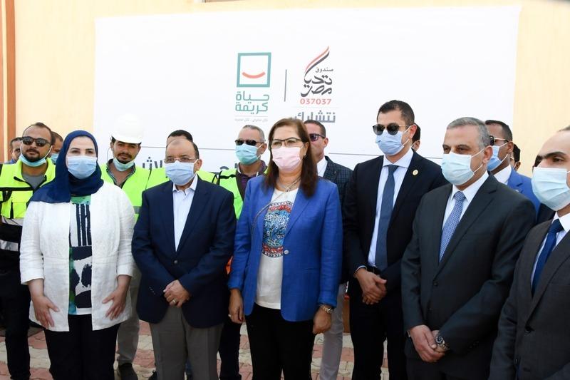 وزيرة التخطيط تفتتح وحدة المعالجة الثلاثية للصرف الصحي في سوهاج