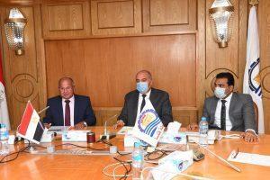 وزارة التخطيط تُتابع مستوى آداء المراكز التكنولوجية في قنا