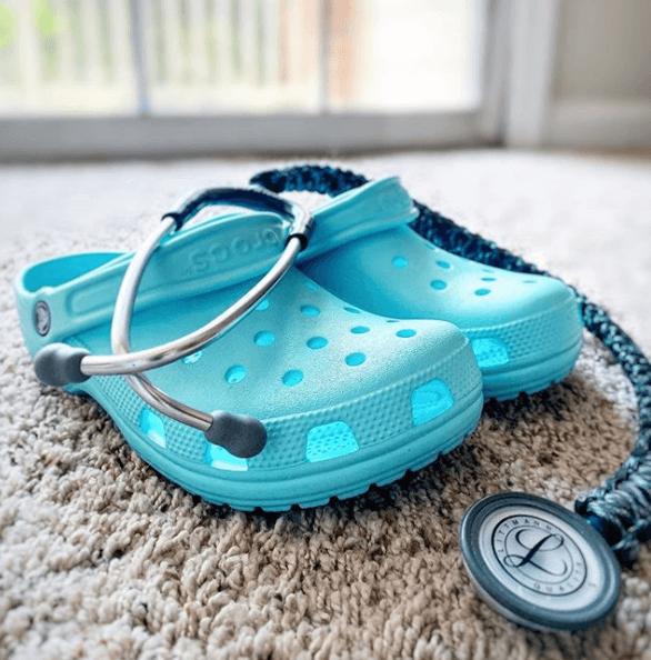 Crocs donates over 860,000 pairs ofCrocs to medics in 2020